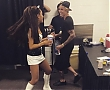 ariana-and-justin-bieber-backstage.jpg